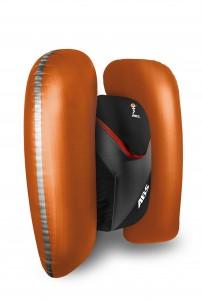 Produkte ABS_2014_Vario_8l_Zip-on_Black-Orange_inflated c ABS