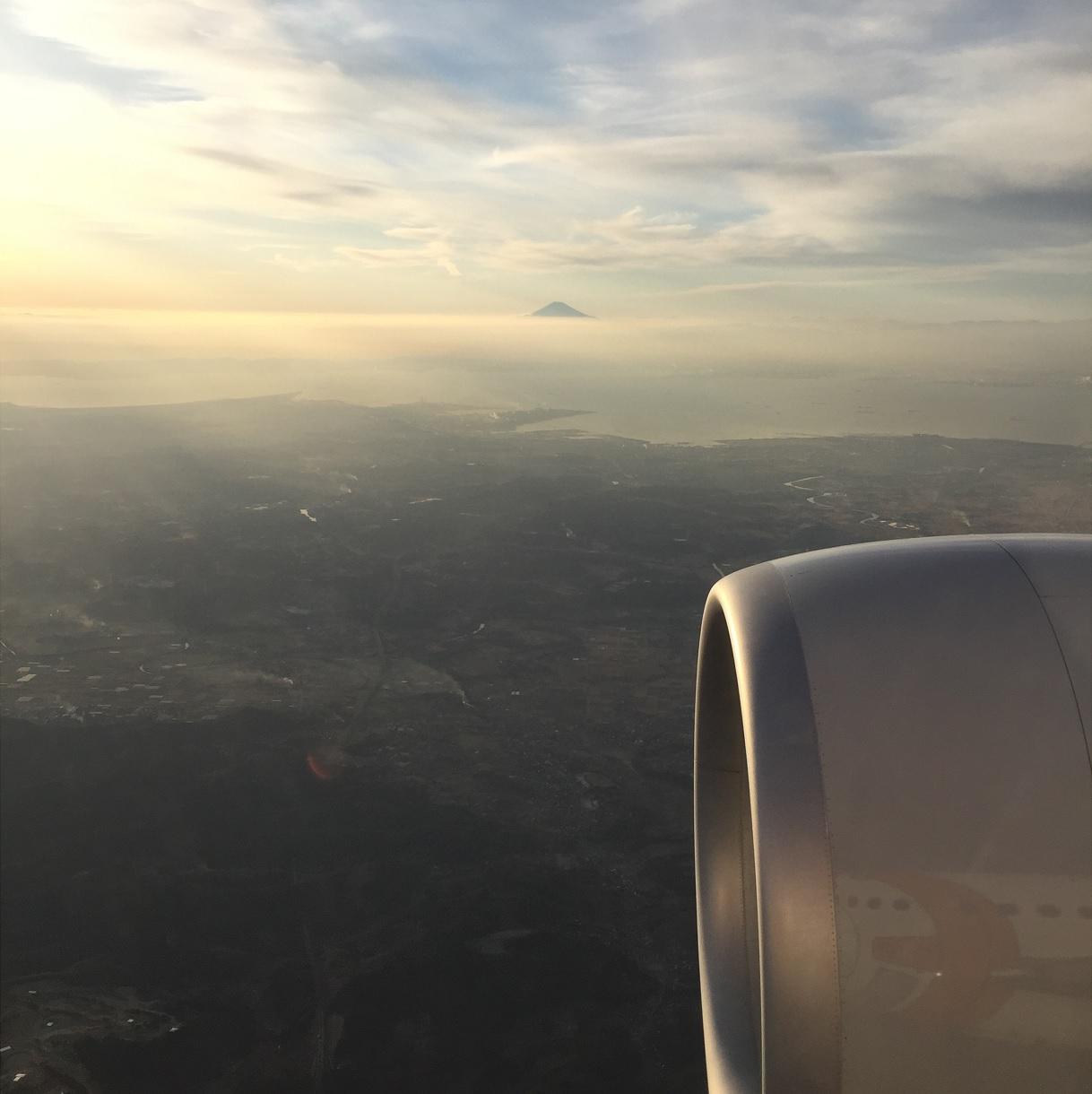 mt fuji Weltreise Flugzeug c Bernhard Krieger